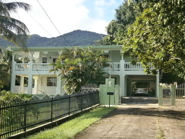 Tropical property with privat pool