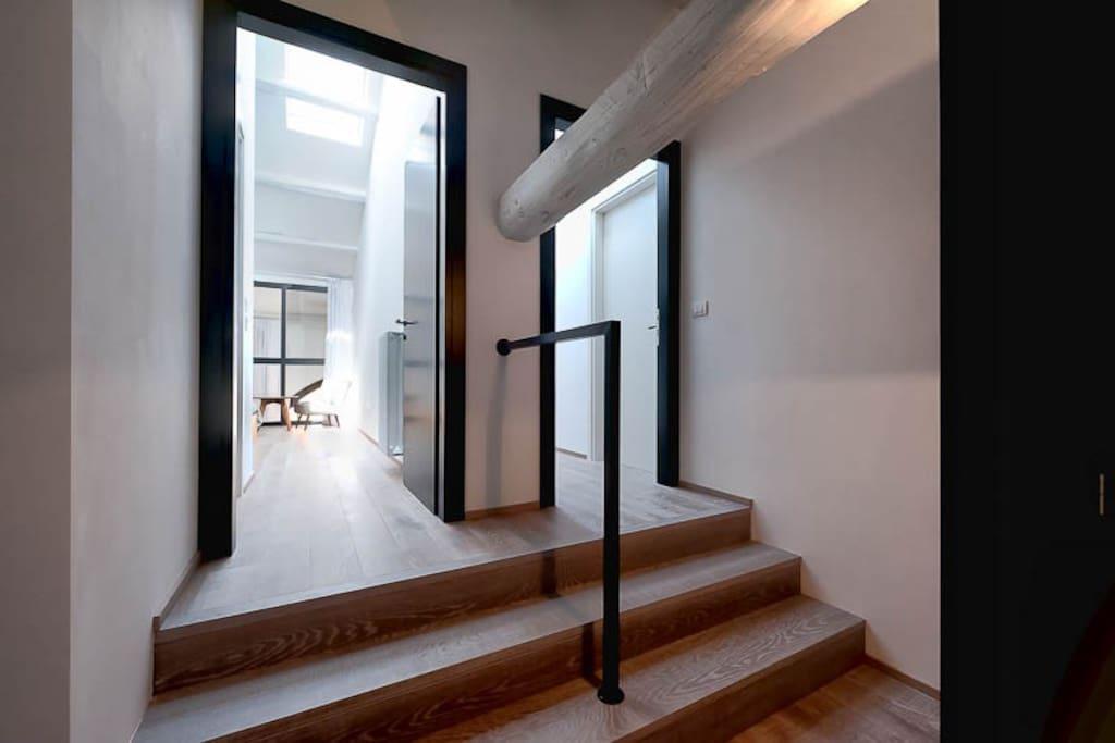 l'accès aux chambres du  1er étage