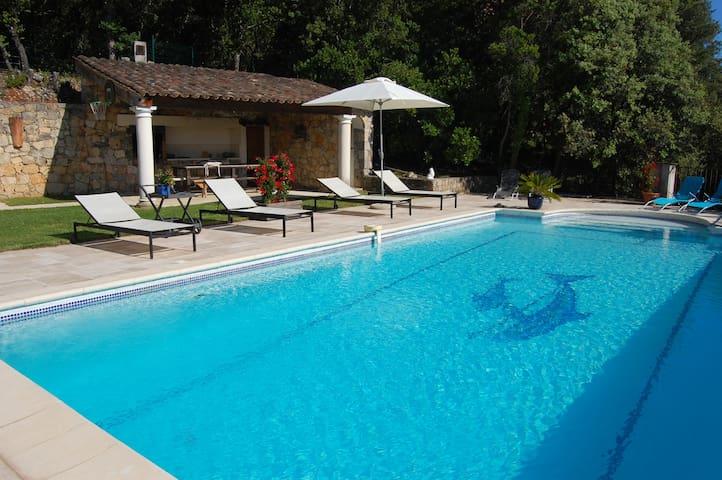 villa 8 pers avec piscine chauffée vue magnifique