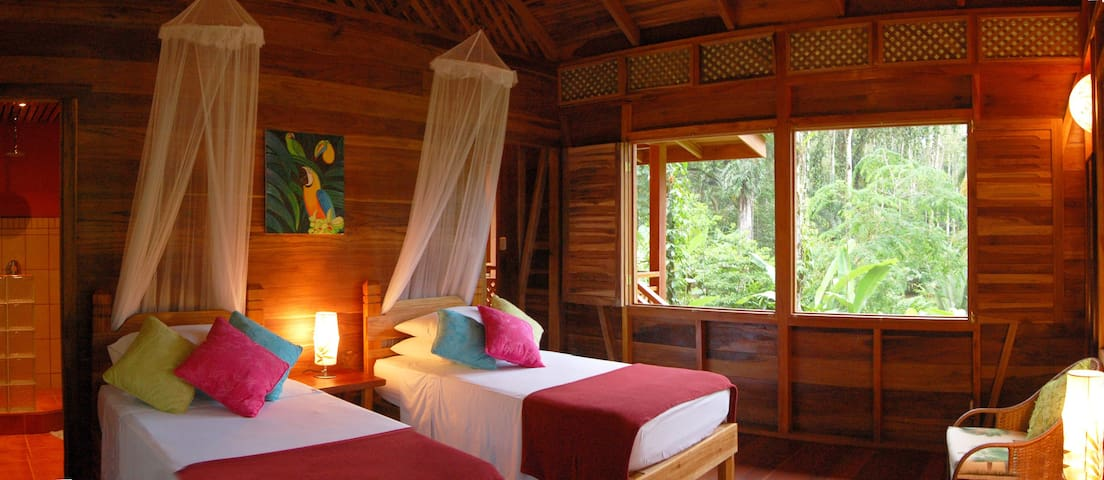 Comfort in the rainforest: You'll sleep well at Geckoes Lodge.
