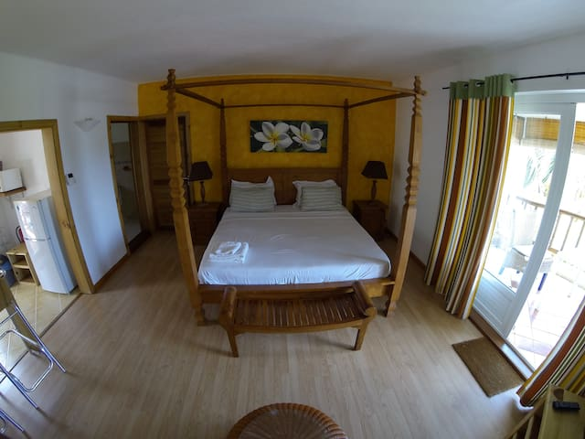 Comfy room in ideal location - Le Morne Brabant - Квартира