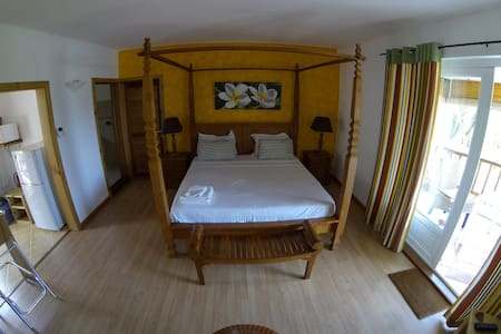 Comfy room in ideal location - Le Morne Brabant - Wohnung