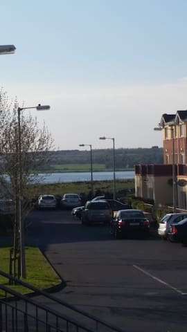 Close to Galway City and Race track - Oranmore - Apartment