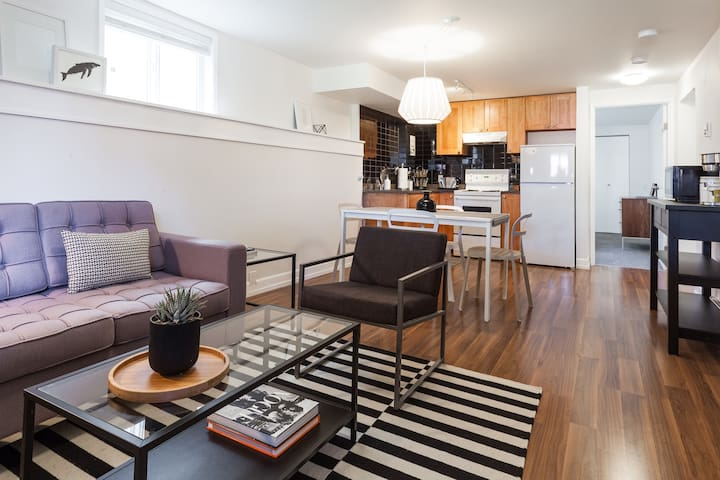 Modern Living/ Conveniently Located