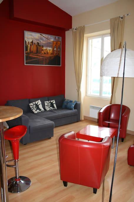 location au mois avec bail bordeaux centre apartments for rent in bordeaux aquitaine france. Black Bedroom Furniture Sets. Home Design Ideas