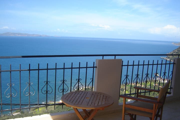 Studio with panoramic sea view - Χανιά