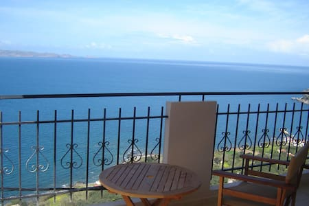 Studio with panoramic sea view - Χανιά - Pis