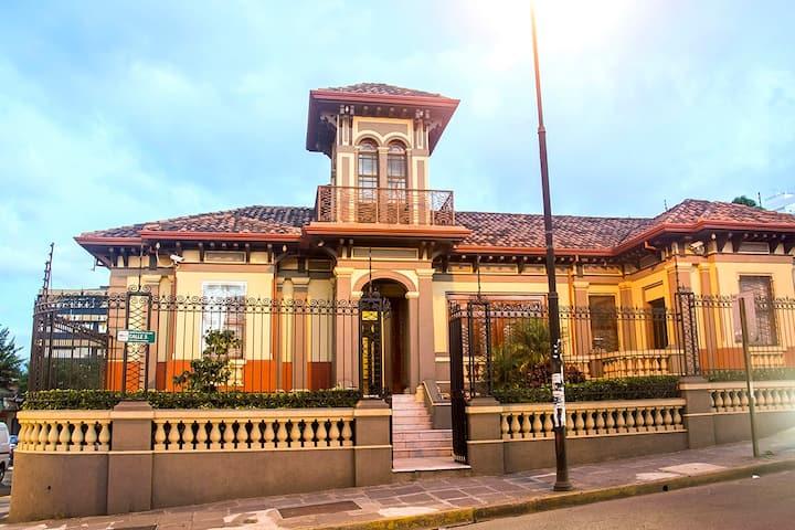 Villa Amon