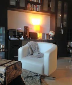 Bright, cozy apartment in Brickell - ไมอามี