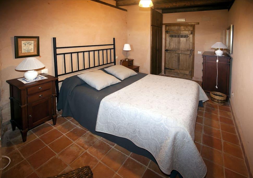 Matrimonio Bed Properties : Habitación matrimonio la encina houses for rent in