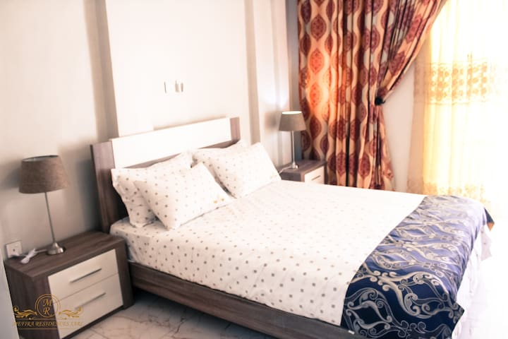 El Mimosa Complex. 2R Apt. 1 big bed, 1 small bed