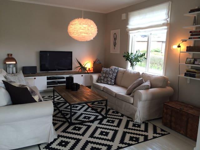 175 kvm villa nära stan/havet/skog. - Göteborg - Casa