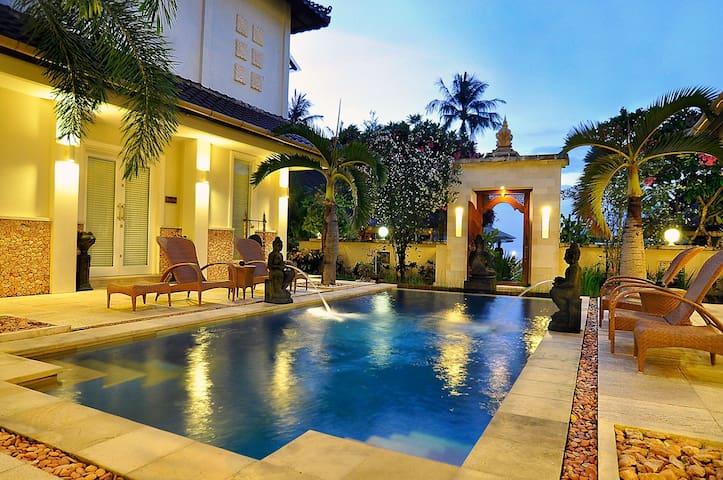 Stunning Presidential Villa in Lombok Island - West Lombok Regency - Pis