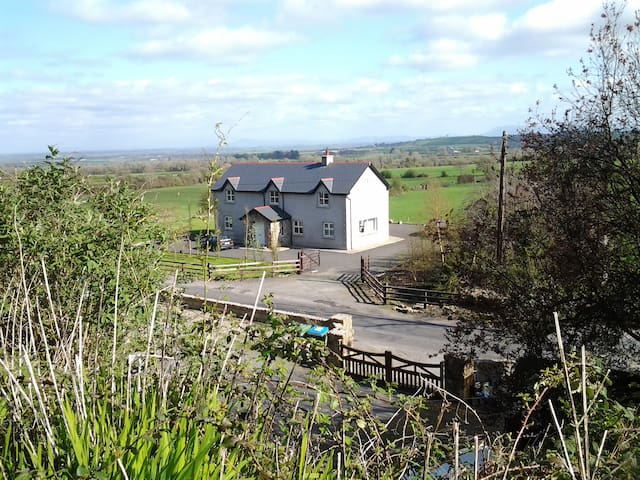 Modern Rural Farmhouse- Co.Limerick - Granagh - Casa