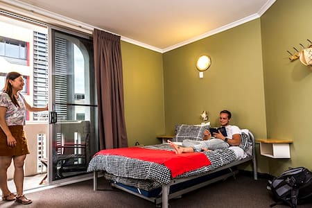 Adelaide Central YHA - Double Room with Ensuite