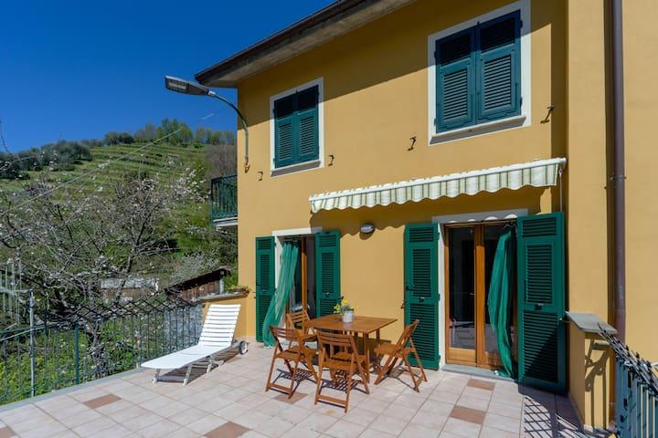 Cottage near Chiavari: Casa Emilia - Mezzanego - อพาร์ทเมนท์