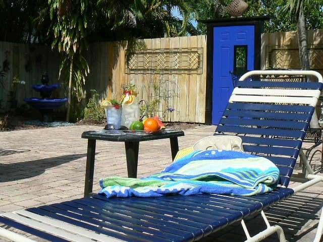 Come, relax and sit by the pool and chill.