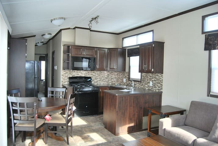FOR RENT BRAND NEW COTTAGE IN SHERKSTON SHORES