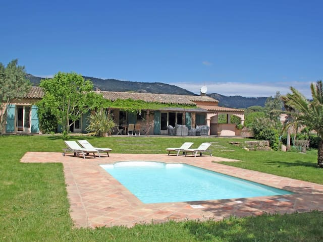 Villa, big secluded property, heated pool - Le Plan-de-la-Tour - Villa