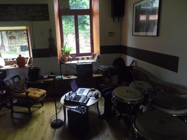 maison musicale - Saint-Symphorien-sur-Couze - House