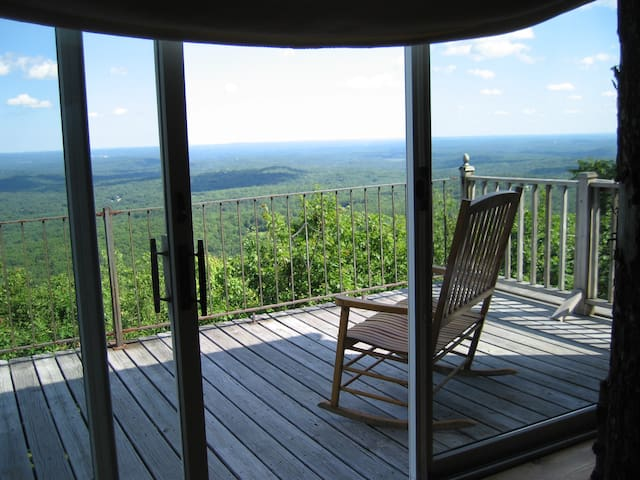 Gorgeous, cozy mountain top cottage - Goffstown - Hus