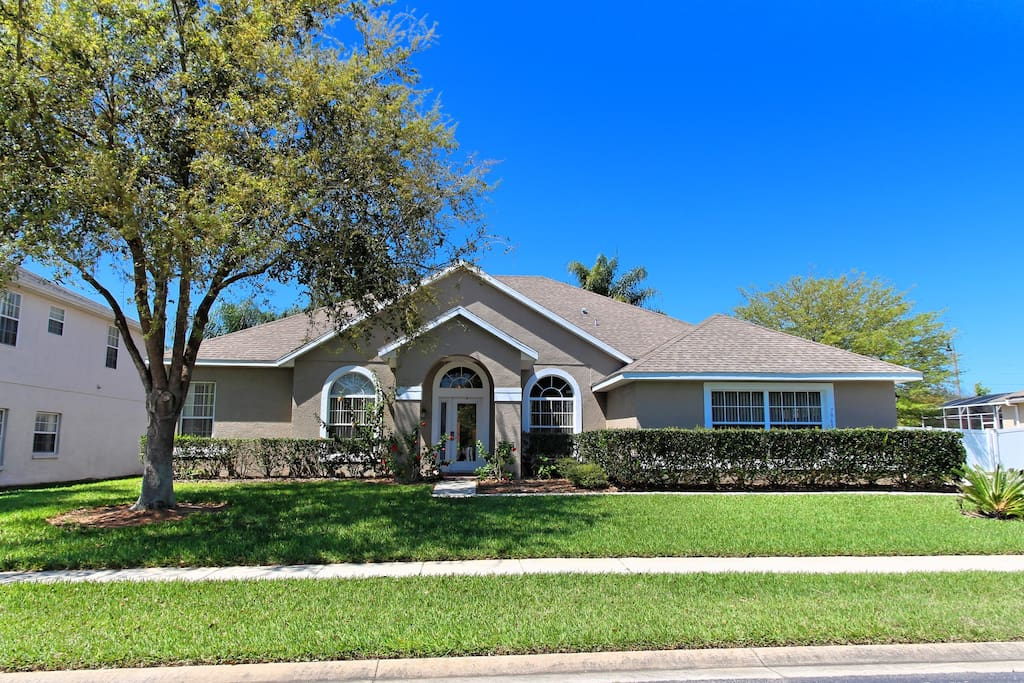 This spacious estate home is located on the gated Formosa Gardens gated community - just minutes from restaurants and shops, and less than 4 miles from the nearby Walt Disney World® Resort theme parks.