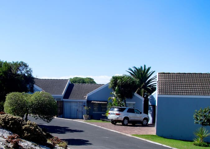 St. Claire Selfcatering Cottages - Saldanha - House