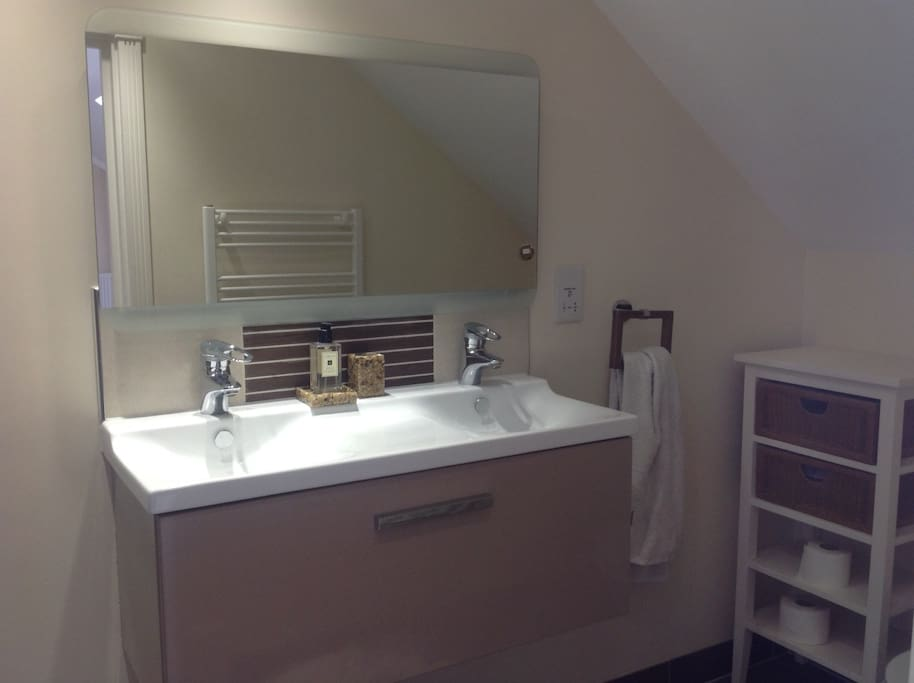 ensuite with his and her sinks