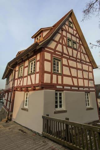 Ferienwohnung in altem Fachwerk - Mühlacker - Rumah