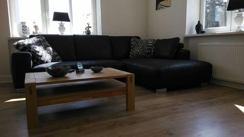 Spacious, quality apartment (BRNO) - Ivančice - Wohnung