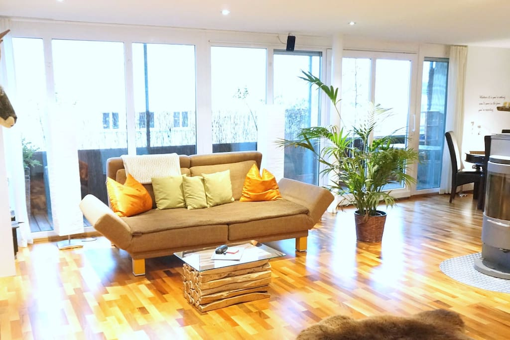 Couch kann zum Doppelbett werden