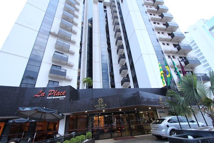 Flat mobiliado com excelente localização - Goiânia - Appartement
