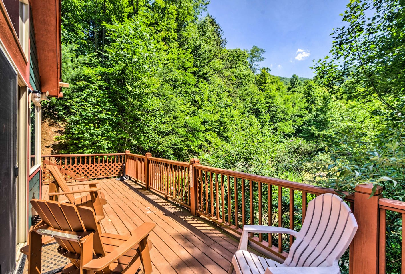 Let this serene getaway serve as the foundation for your Bryson City holiday!