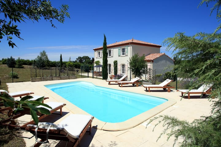 Country Villa with Private Pool - Bellegarde-du-Razès - วิลล่า