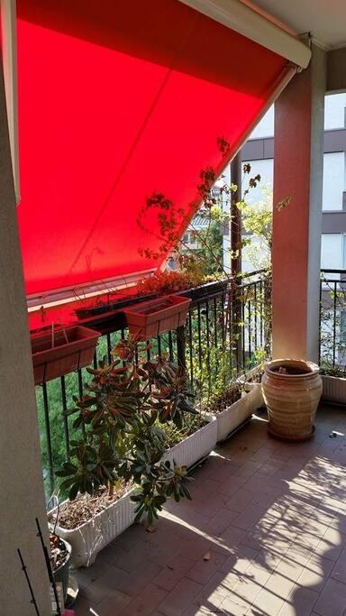 spazioso terrazzino cucina 6° piano