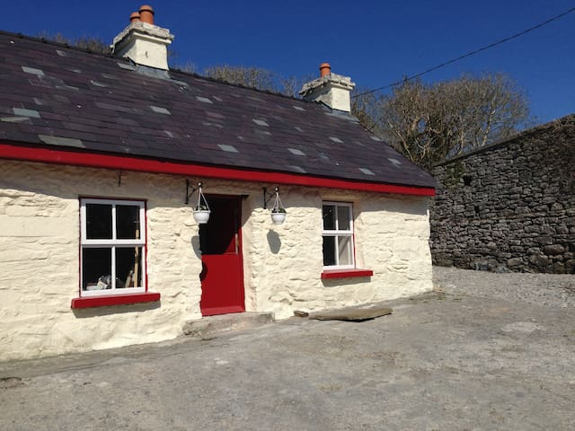 Fermoyle Farmhouse Self Catering - Fanore - Srub