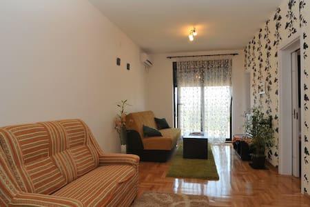 APARTMENT BECICI - Bečići - 公寓