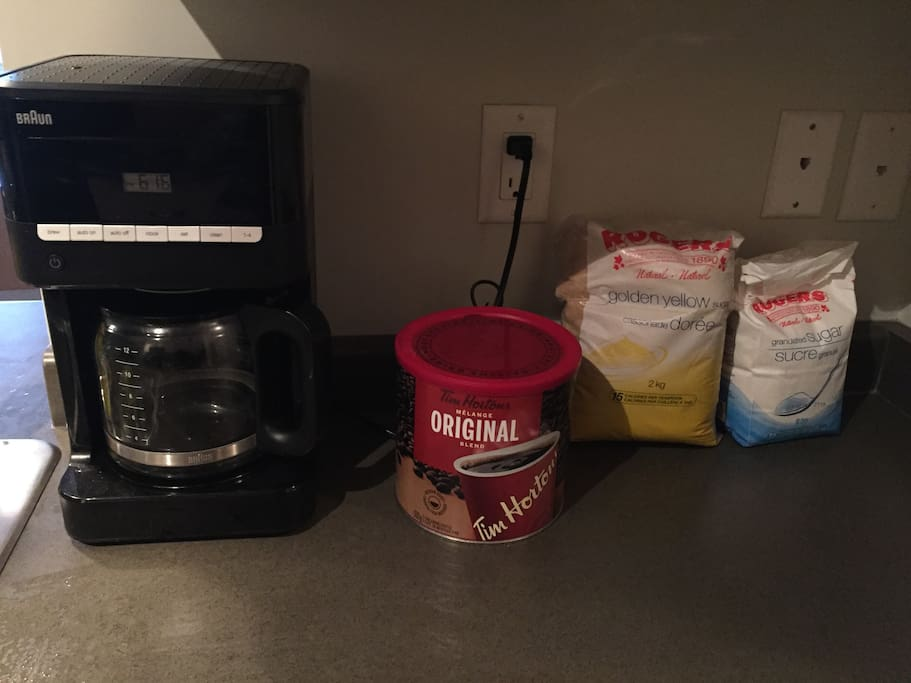 Automatically timed coffee maker