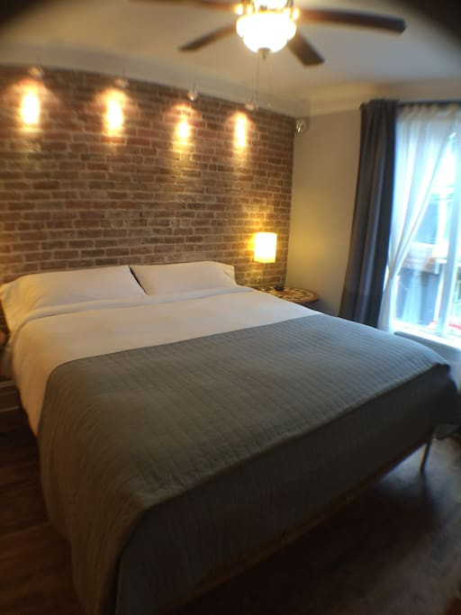 Comfy King size bed - Très grand lit douillet