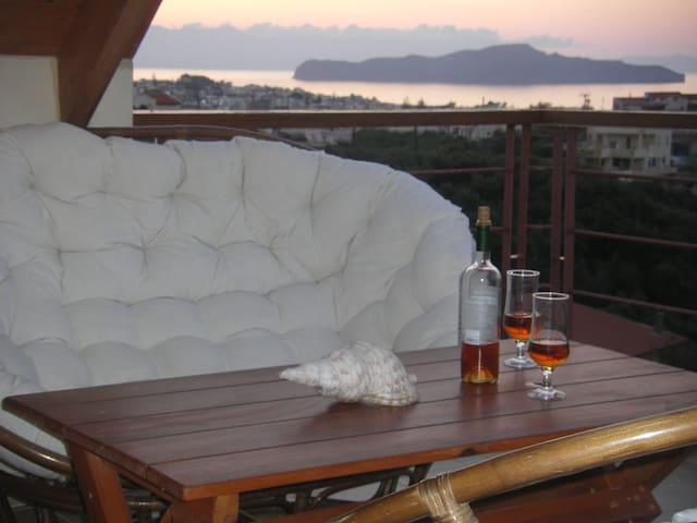 Chania villa walk distance to beach,3 bedrooms,bbq - Agii Apostoli - Villa