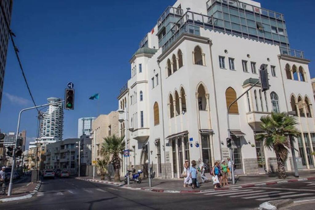 Rent-Telaviv Beach Front Vacation Apt Hayarkon Street Tel-Aviv Israel