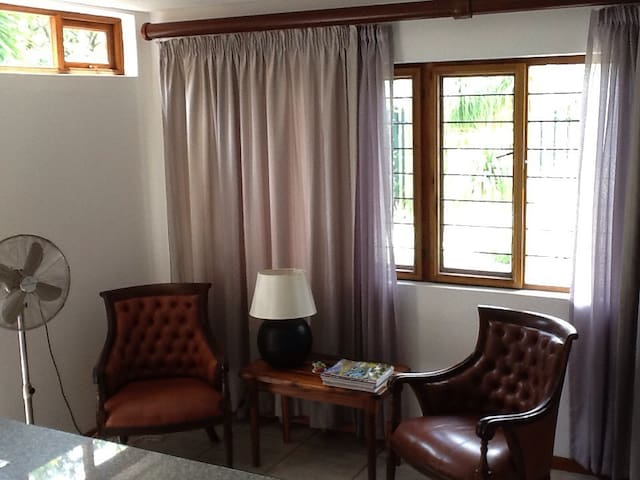 Tranquil private self catering apartment - Nelspruit - Apartment