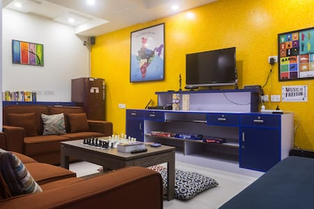 Stay in a true Delhi neighbourhood - Joey's Hostel - Nova Delhi