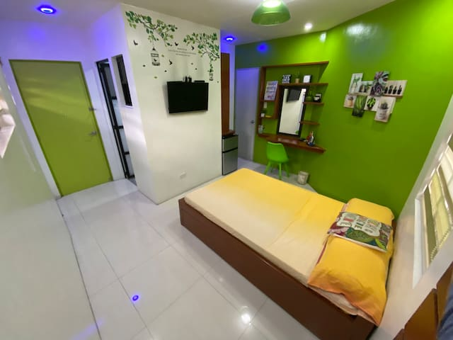LIME: Transient Room near UP Los Banos Gate