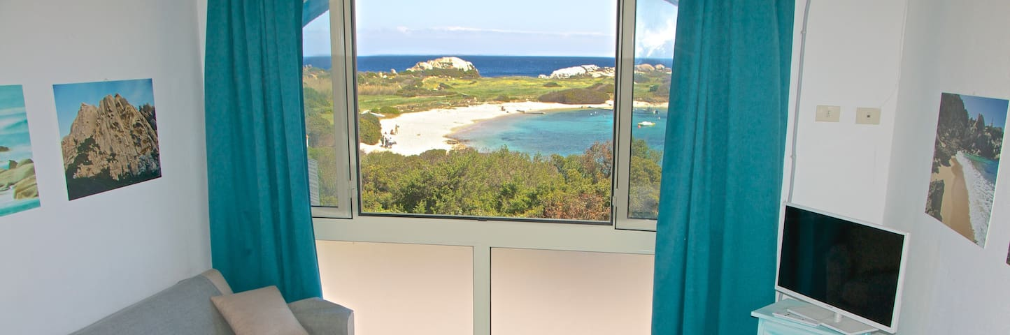 Sea view apartment 70 m from bech