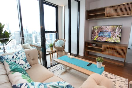 Central Mel Bay, City and Sunset View 3 bedrooms