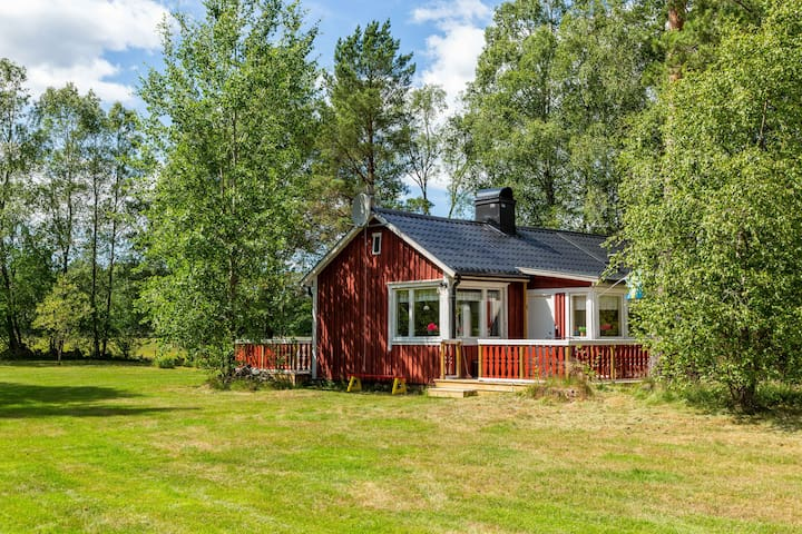 Cosy summer cottage in the Småland countryside