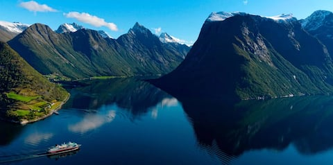 Escape stress and stay at Fjordparadis, Urke