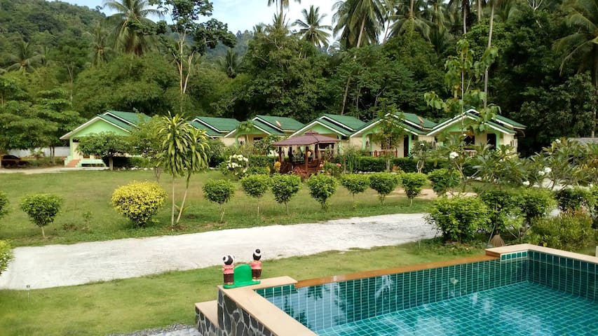 Tara Resort Studio No.1 with Garden, River views