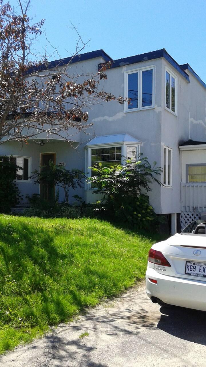 Grande maison style chalet à 9min du Mont-Lac-Vert